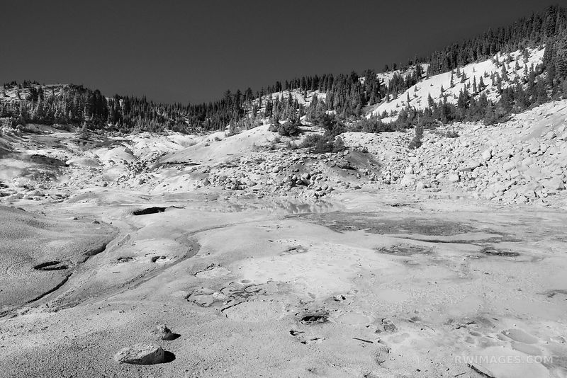 SULPHUROUS POOL BUMPASS HELL LASSEN VOLCANIC NATIONAL PARK CALIFORNIA, BLACK AND WHITE