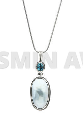 Jewelry pendant with mabe pearl and topaz