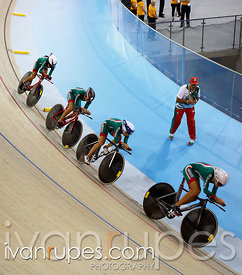 Women's Team Pursuit Final. Track Day 2, Toronto 2015 Pan Am Games, Milton Pan Am/Parapan Am Velodrome, Milton, On; July 17, 2015