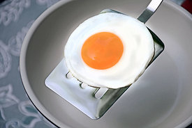 Beautiful_Egg_on_Spatula_3