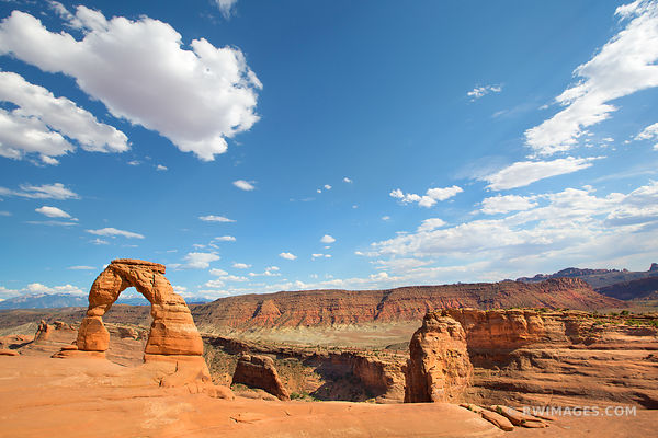 DELICATE ARCH ARCHES NATIONAL PARK UTAH COLOR