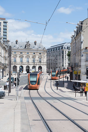 Photo du tramway a la place Aristide Briand