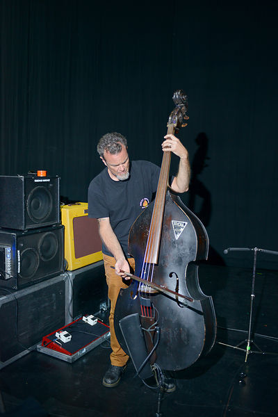 WN14097_Bassist_Kevin_Smith_Warming_Up_02_Preview