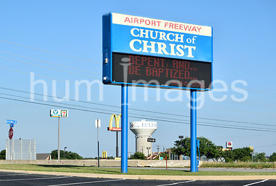 Airport Freeway Church of Christ Sign