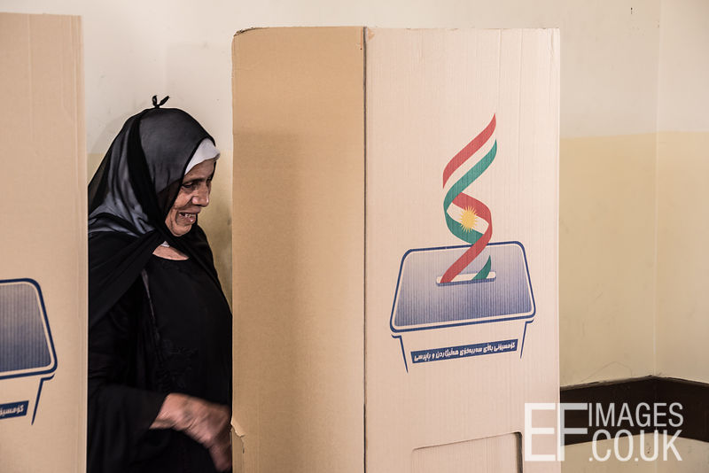 An Erbil resident at the polling booth in the Kurdish Independence Referendum. 25th September 2017