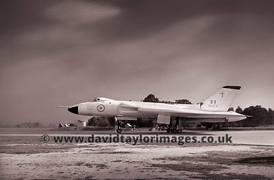 Bright white | Vulcan XH476 | RAF Changi September 1962