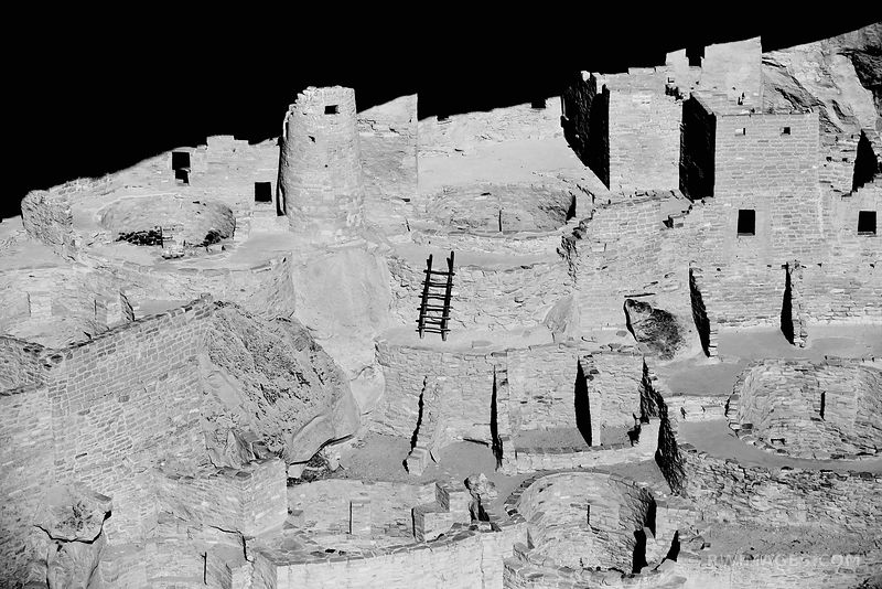 CLIFF PALACE ANCESTRAL PUEBLOAN ARCHEOLOGICAL SITE MESA VERDE NATIONAL PARK COLORADO BLACK AND WHITE