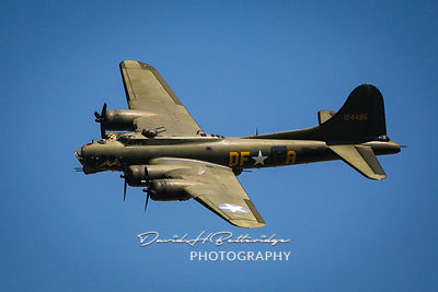B17 Flying Fortress Sally B