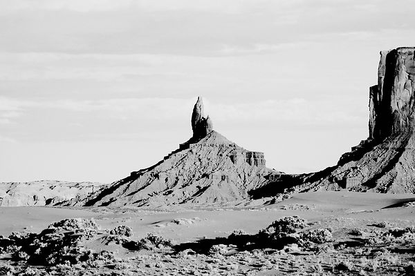 MONUMENT VALLEY NORTHERN ARIZONA BLACK AND WHITE
