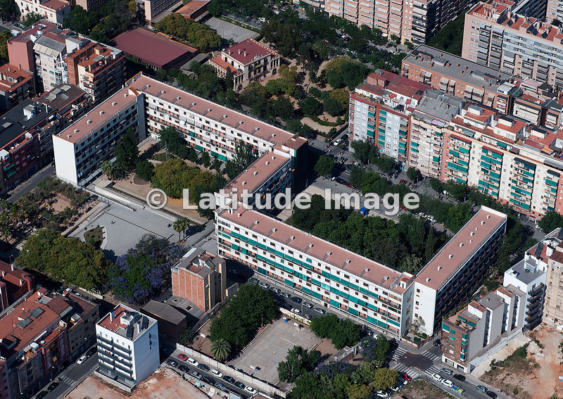 Latitude image casa bloc building design by architects - Casa torres barcelona ...