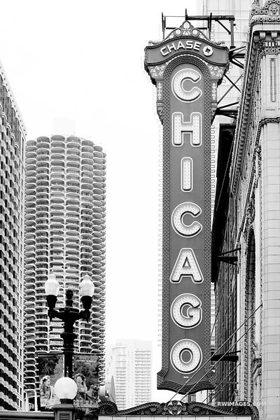 CHICAGO THEATRE SIGN CHICAGO ILLINOIS BLACK AND WHITE VERTICAL