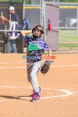 08-19-17_SFB_8U_Diamond_Divas_v_West_Texas_Force-28