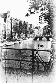 Black_and_white_bike_canal