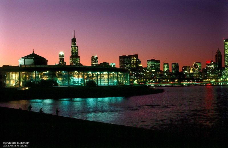 Chicago, Shedd Aquiarium and skyline at dusk