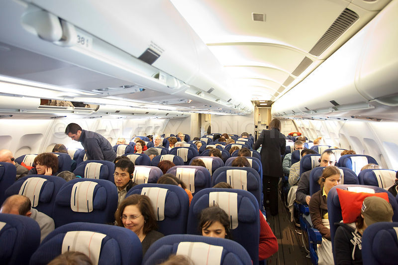 Photos photo interieur d 39 un avion de transport de passagers for Interieur avion air france