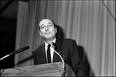 Jacques Chirac à la tribune d'un meeting à Rouen, 1988.