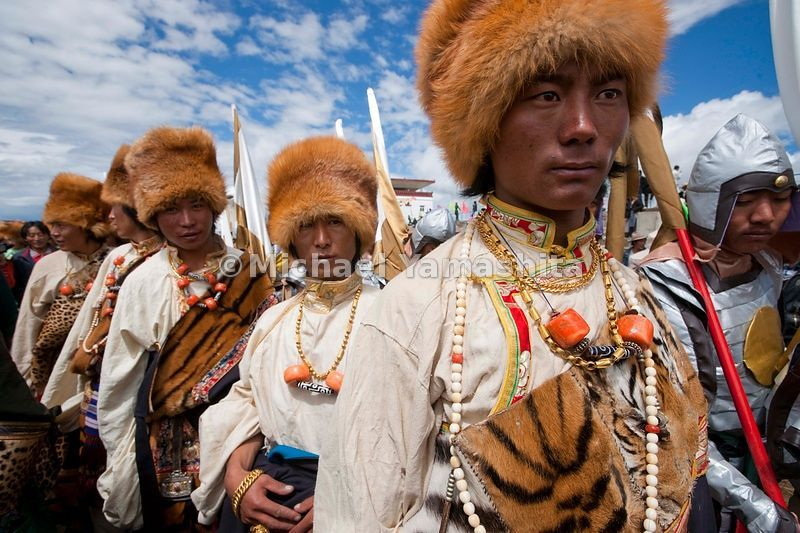 Chamadao, Route 317, Nakchu Horse Festival, Biggest ever we are told. Last year's was cancelled due to Tibet's uprising. Nakchu is the crossroads of 3 major routes, 317, road to Qinghai and Lhasa................................