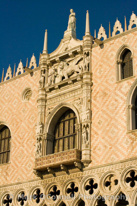 Doge's Palace in St Mark's Square u3