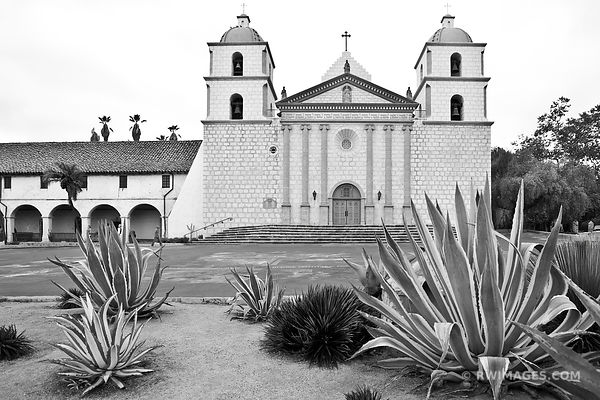 OLD MISSION SANTA BARBARA CALIFORNIA BLACK AND WHITE