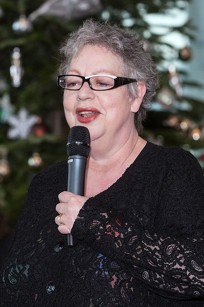 Comedian-Jo-Brand-visiting-a-crisis-christmas-shelter-for-homeless-people-Copyright-Rob-Johns_RJ_8495