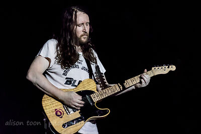 Mike Einziger, guitar, Incubus