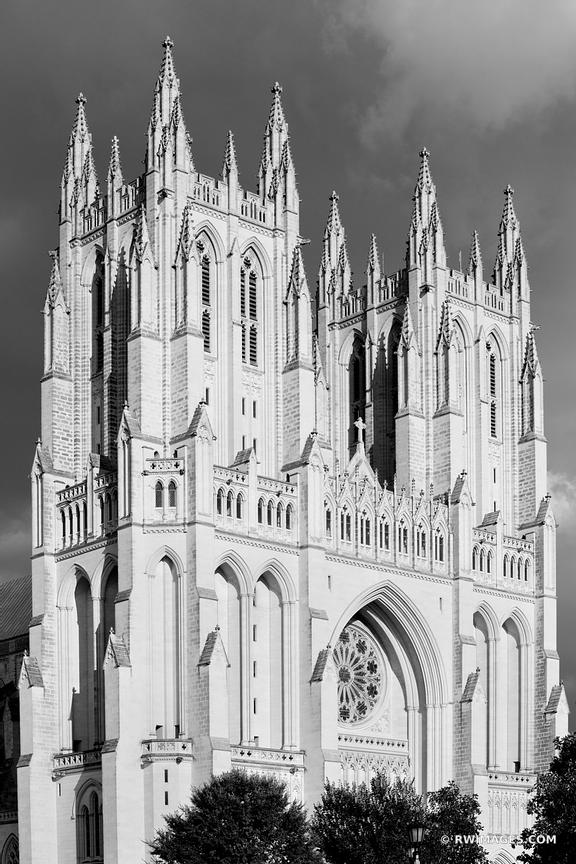 WASHINGTON NATIONAL CATHEDRAL WASHINGTON DC BLACK AND WHITE VERTICAL