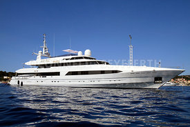 superyacht Bad Girl