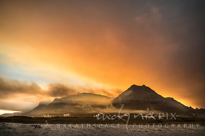 Muizenberg Peak at sunset on the 3rd day, as the fires burn around back to where it began