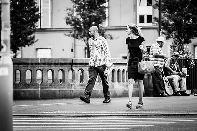Street Photo - Have a look