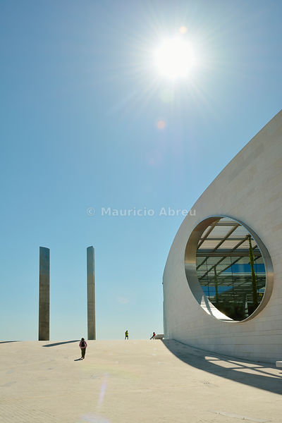 The Researching Centre for The Unknown of the Champalimaud Foundation, in Lisbon, was designed by indian architect Charles Correa. Portugal