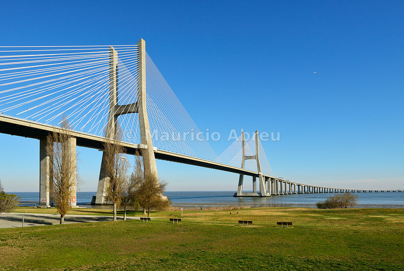 Vasco da Gama Bridge over the Tagus river (Tejo river), the longest bridge in Europe. Lisbon, Portugal