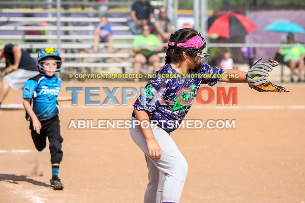 08-19-17_SFB_8U_Diamond_Divas_v_West_Texas_Force-34