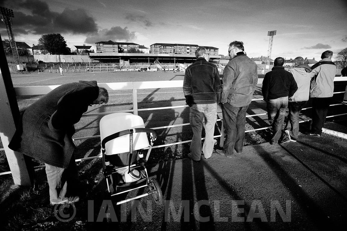 Albion Rovers..Cliftonhill Stadium, Coatbridge..30.10.10.Albion 3-1 Clyde..Picture Copyright:.Iain McLean,.79 Earlspark Avenue,.Glasgow.G43 2HE.07901 604 365.photomclean@googlemail.com.www.iainmclean.com.All Rights Reserved.