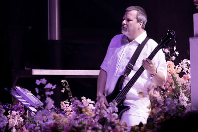Bill Gould, bass, Faith No More