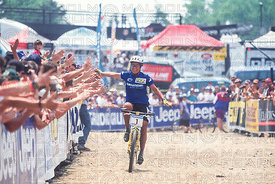 JULIANA FURTADO CELEBRATES WITH SPECTATORS AS SHE WINS AT VERMONT, USA, GRUNDIG WORLD CUP 1995