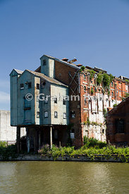 Old warehouse, Gloucester and Sharpness Canal, Gloucester, England.