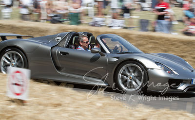 Porsche 918 Spyder (4.6-litre V8 + 2 electric motors, 2013) - in The Michelin Supercar Run at Goodwood Festival of Speed 2013