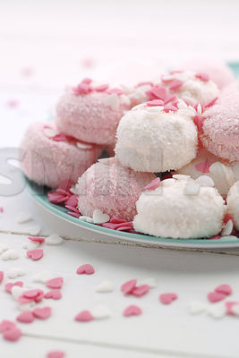 Sweet cakes in pink and white