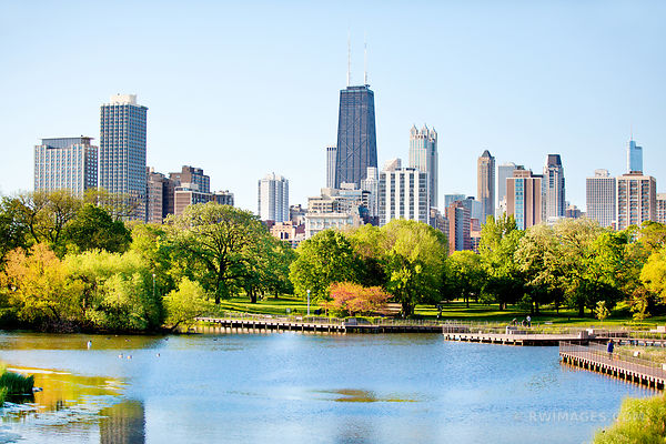 LINCOLN PARK CHICAGO ILLINOIS SKYLINE