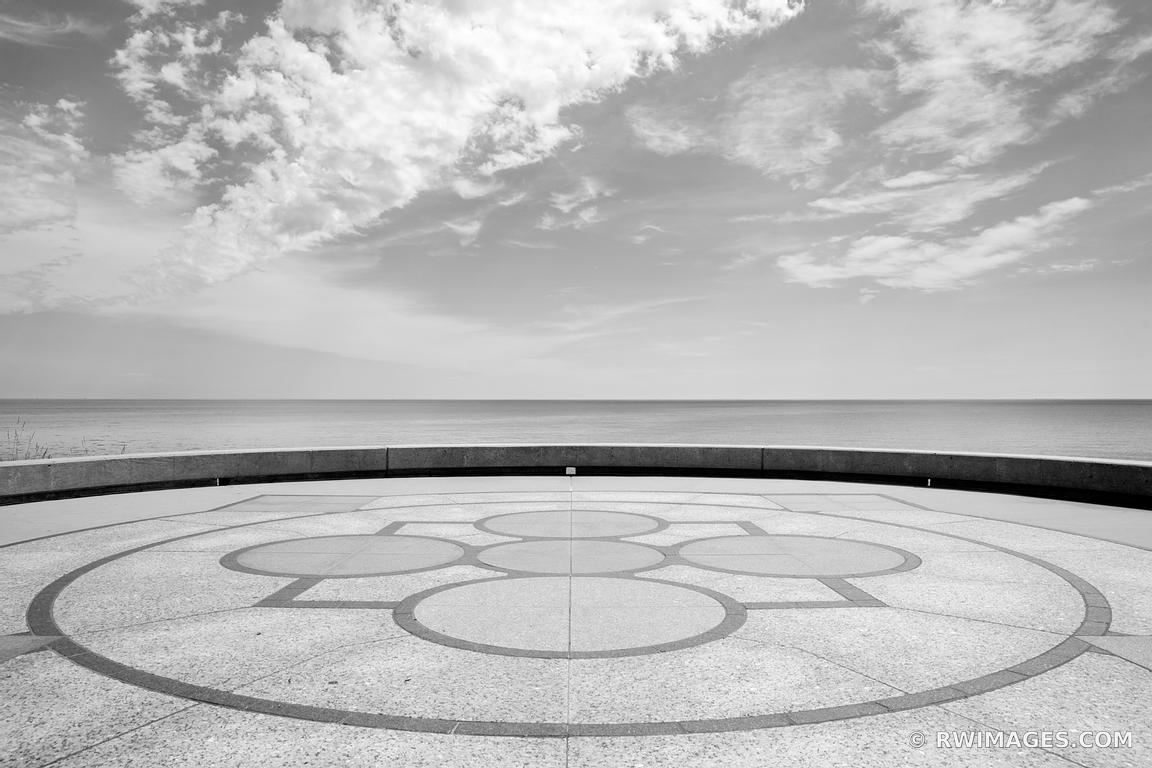 LAKE MICHIGAN FROM LOYOLA UNIVERSITY CAMPUS CHICAGO ILLINOIS BLACK AND WHITE