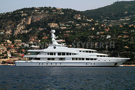 Superyacht Lady Lola