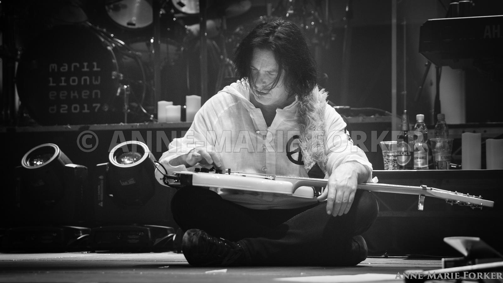 Marillion_Poland_FOR_PRINT_16_x_9_AM_Forker-9131