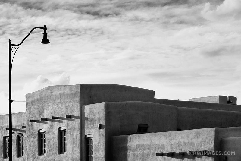 SANTA FE NEW MEXICO ARCHITECTURE BLACK AND WHITE