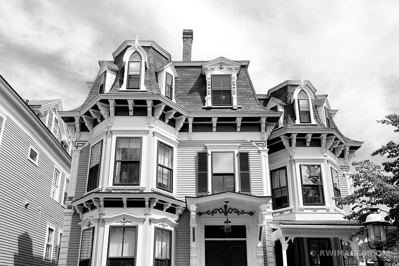 HISTORIC NANTUCKET TOWN ARCHITECTURE BLACK AND WHITE