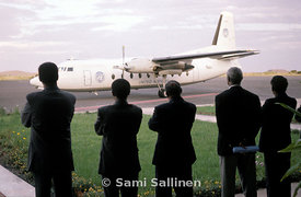 Isaias Afwerki and ministers with UN plane