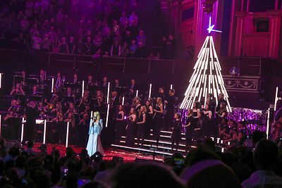 Kylie_at_the_Albert_Hall_-116