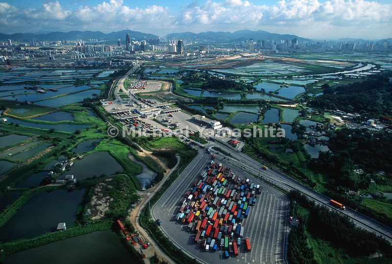 Shenzhen/Hong Kong border crossing busiest customs port in the world