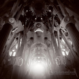 La Sagrada Familia Interia Sunlight Glow