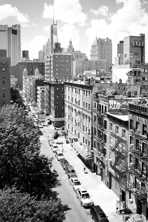 NEW YORK CITY BLACK AND WHITE VERTICAL
