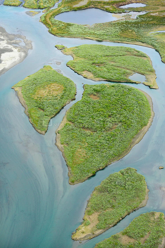 Aerial view of islands in the Vietasatno River near its source, Stora Sjofallet National Park, Greater Laponia Rewilding Area, Lapland, Norrbotten, Sweden, June 2013.